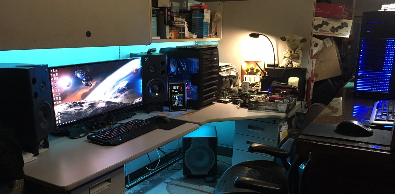 carbide-740-desk-setup-wide.jpg