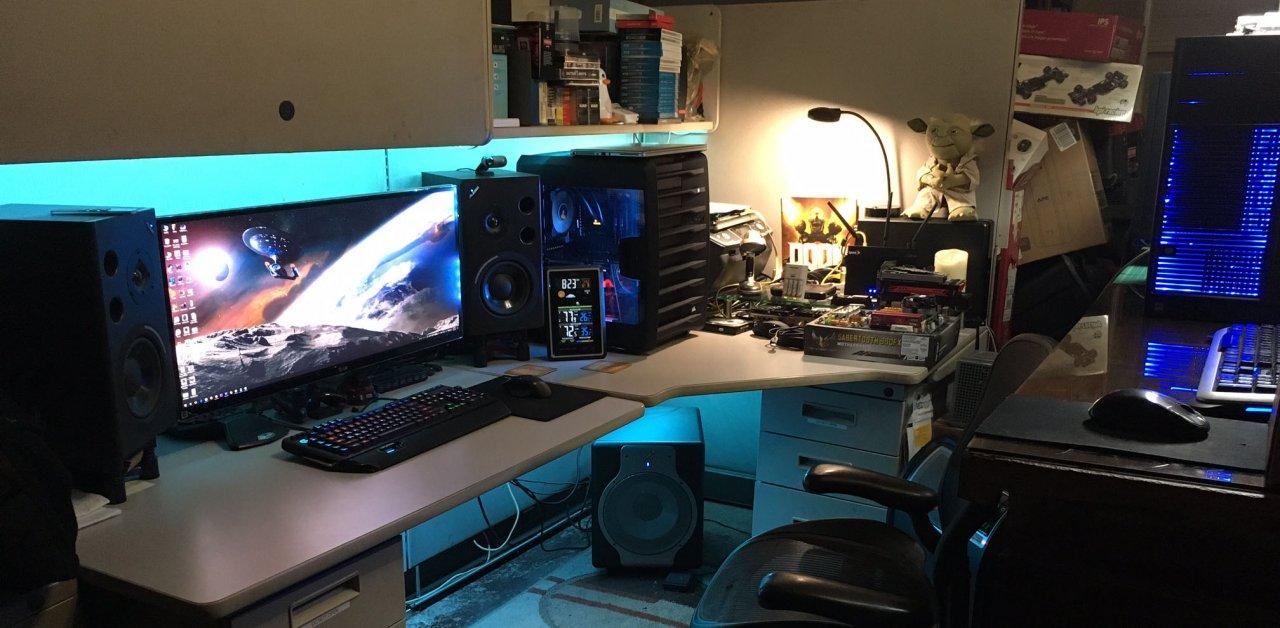 carbide-740-desk-setup-wide.jpg