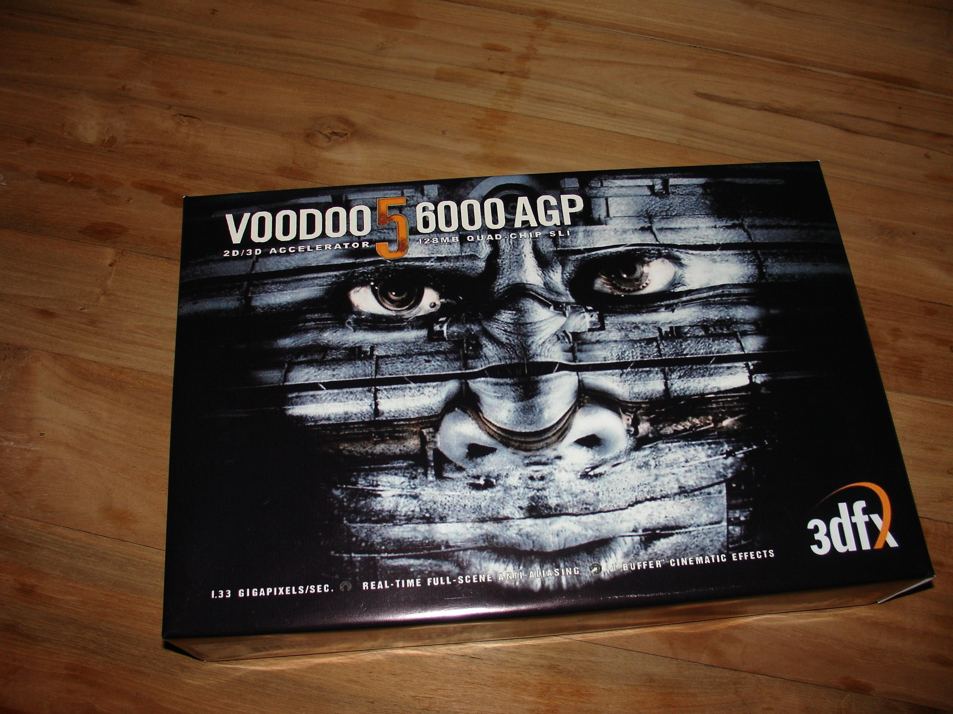 3dfx+Voodoo5+6000+Box+Replica+made+by+razrx+Top[1].JPG
