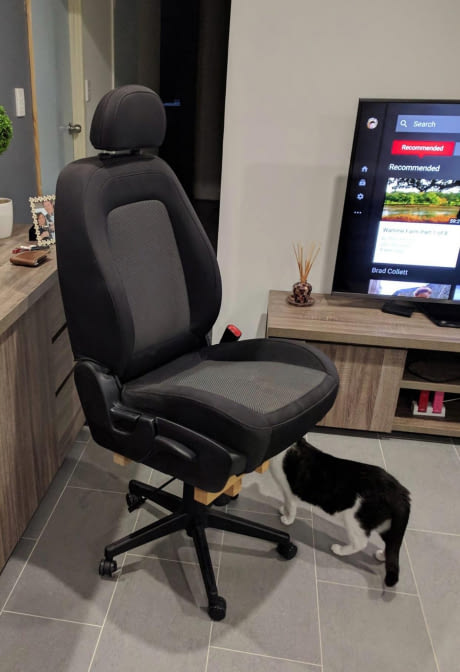 my-friend-couldnt-find-an-office-chair-he-liked-so-he-.jpg