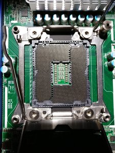 Asrock Rack Socket 2.jpg