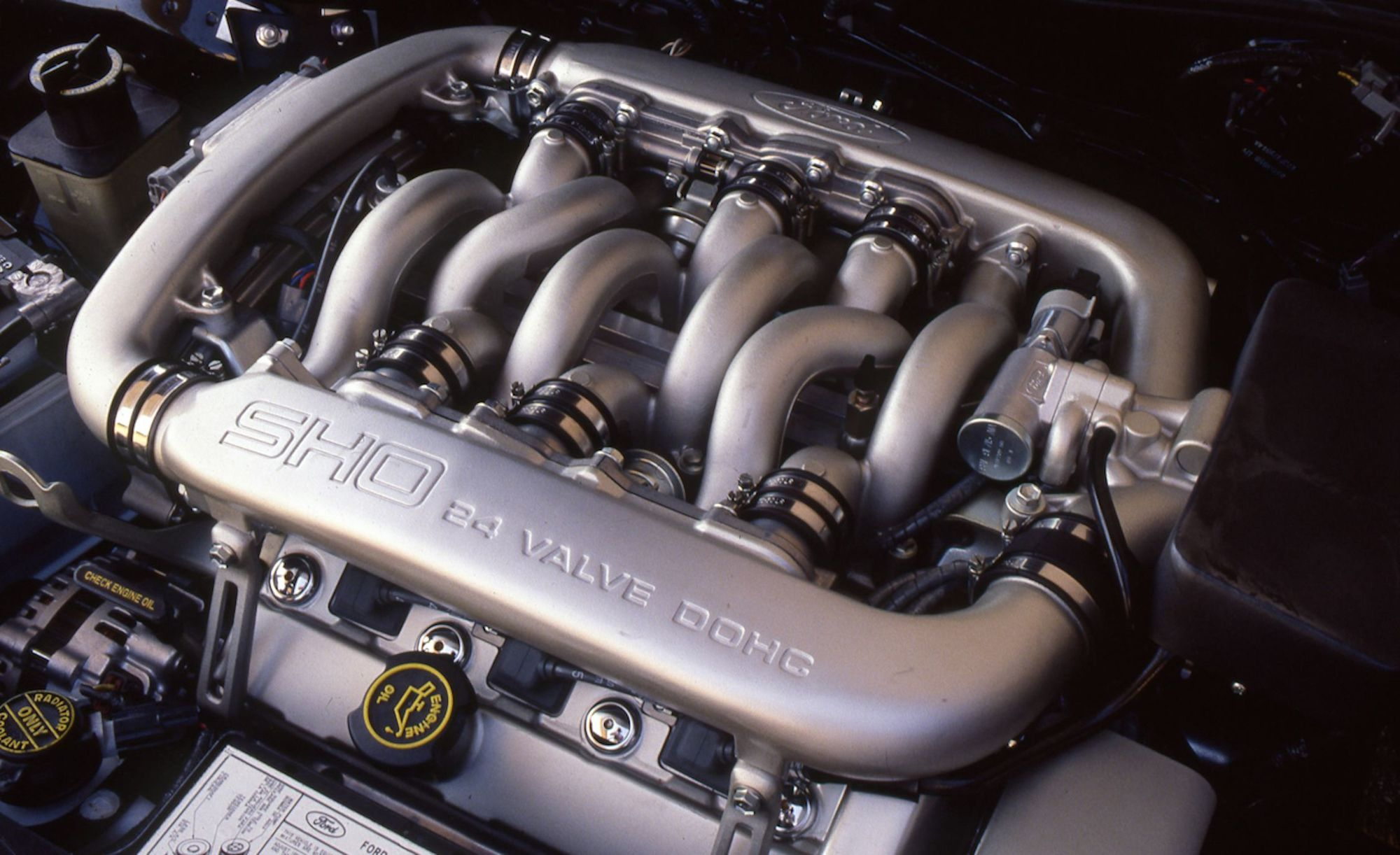 2.-1989-ford-taurus-sho-30-liter-v-6-engine-photo-568183-s-original.jpg