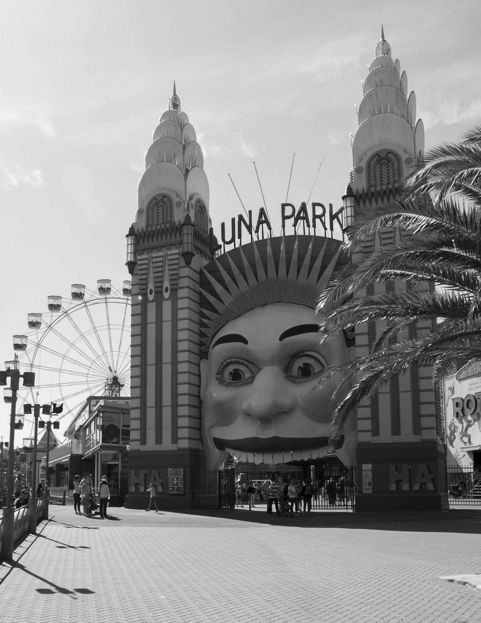 Luna Park BW.jpg