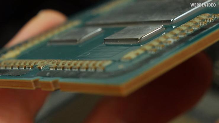 AMD-Ryzen-Threadripper-3970X-3960X-Delidded_12-740x416.png